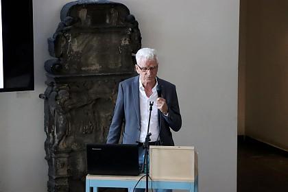 Dr. Dietmar Beck