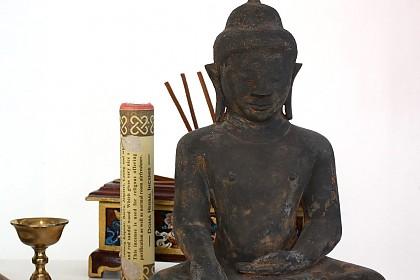 Beiwerke für buddhistische Bestattungstraditionen