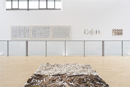 vorne: in transit, 2012/13, hinten: in memory of scottish forests, 1991 – 1998, from the shore of loch dughàill, 1986