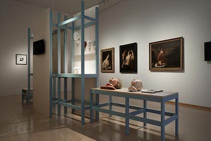 Blick in die Ausstellung mit Gemälden der Museumslandschaft Hessen Kassel